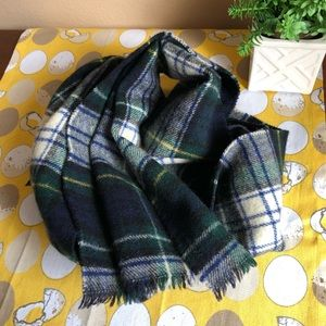 Cisco Merino Wool green and navy plaid scarf